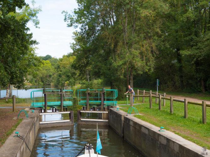 """Hausbootferien 2017, St-Léger-sur-Dheune - Louhans-Schleuse auf der """"La Seille"""""""