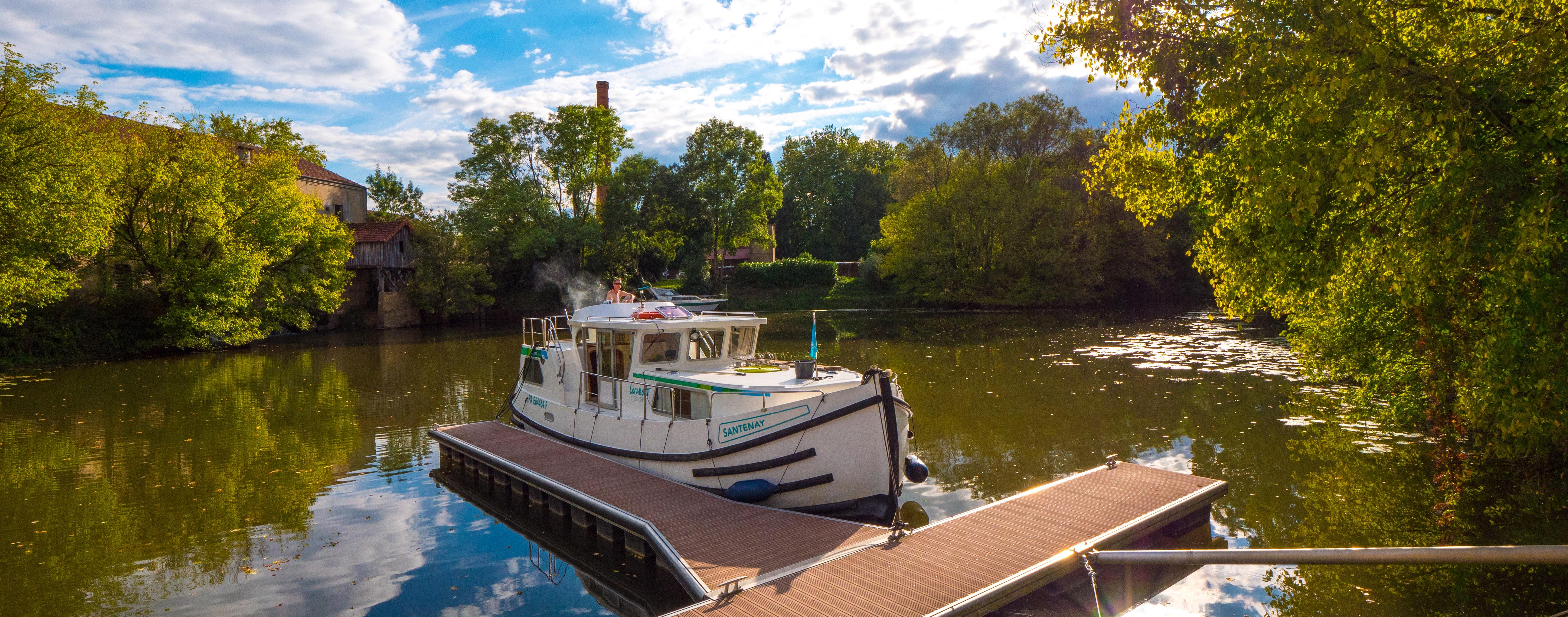 """Hausbootferien 2017, St-Léger-sur-Dheune - Louhans - Hafen in """"Branges"""""""