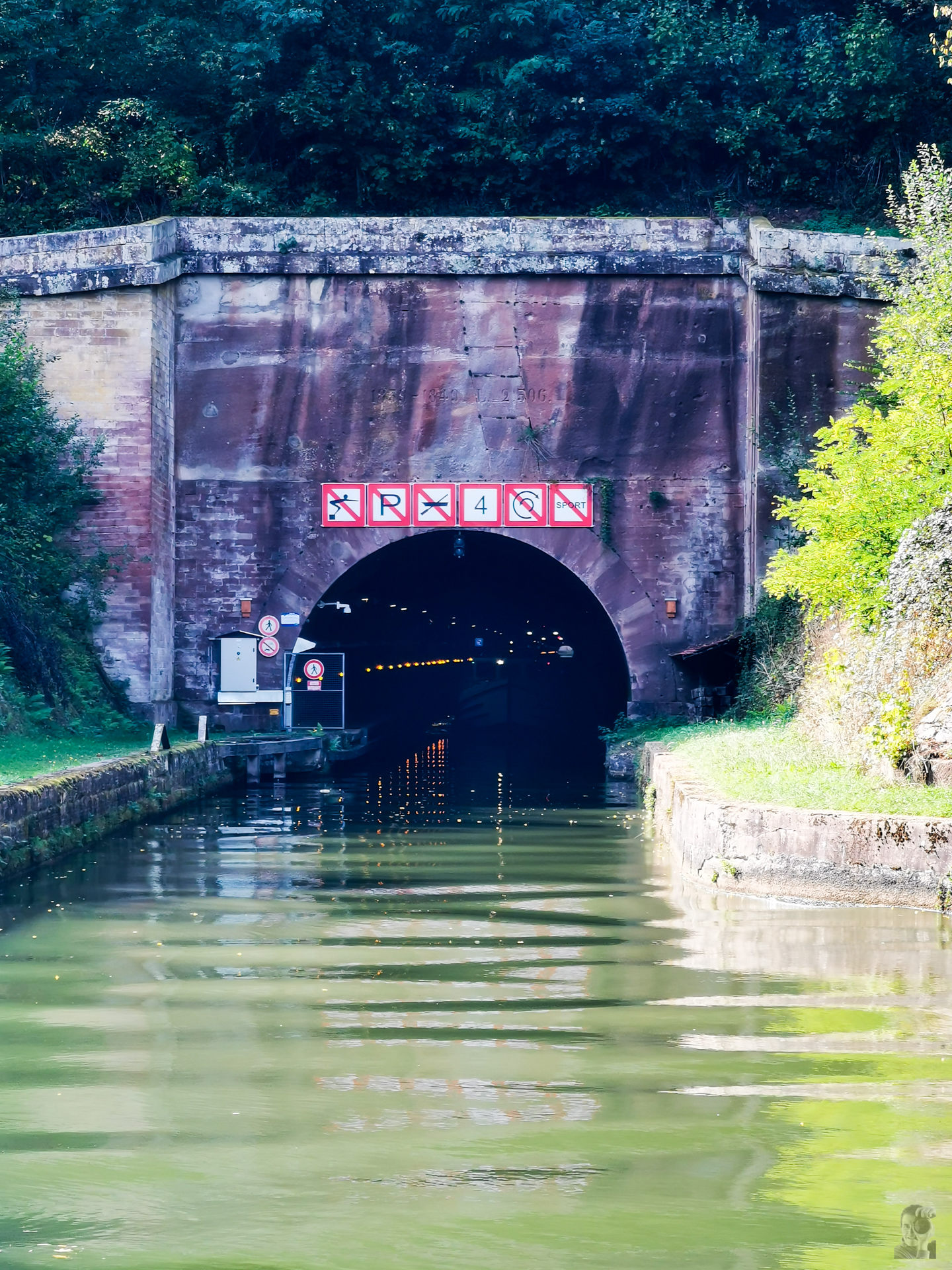 Tunnel von Arzviller-Canal de la Marne au Rhin