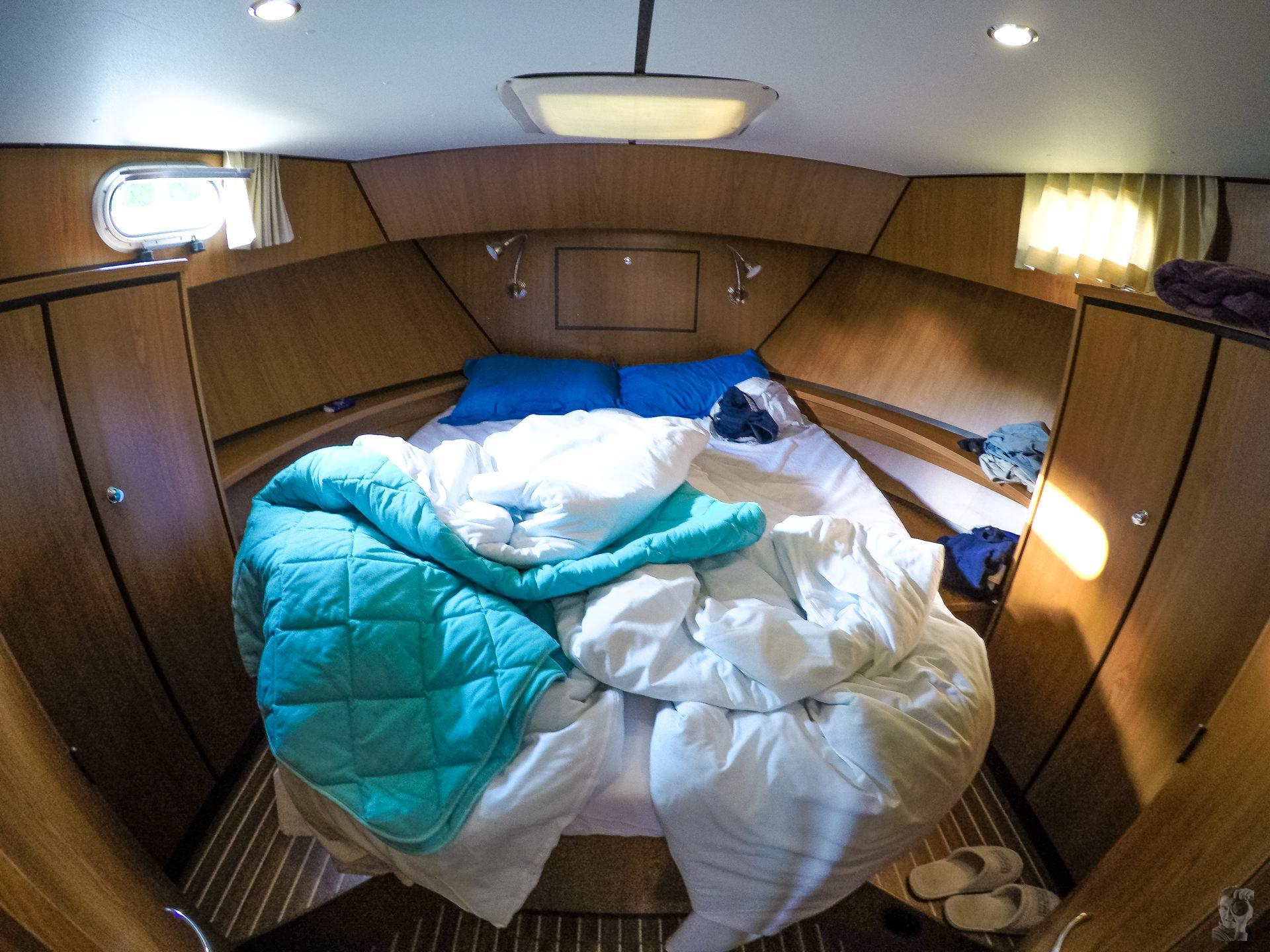 Hausbootferien 2015, Briare-LINSSEN Grand Sturdy 34.9, Bug Kabine