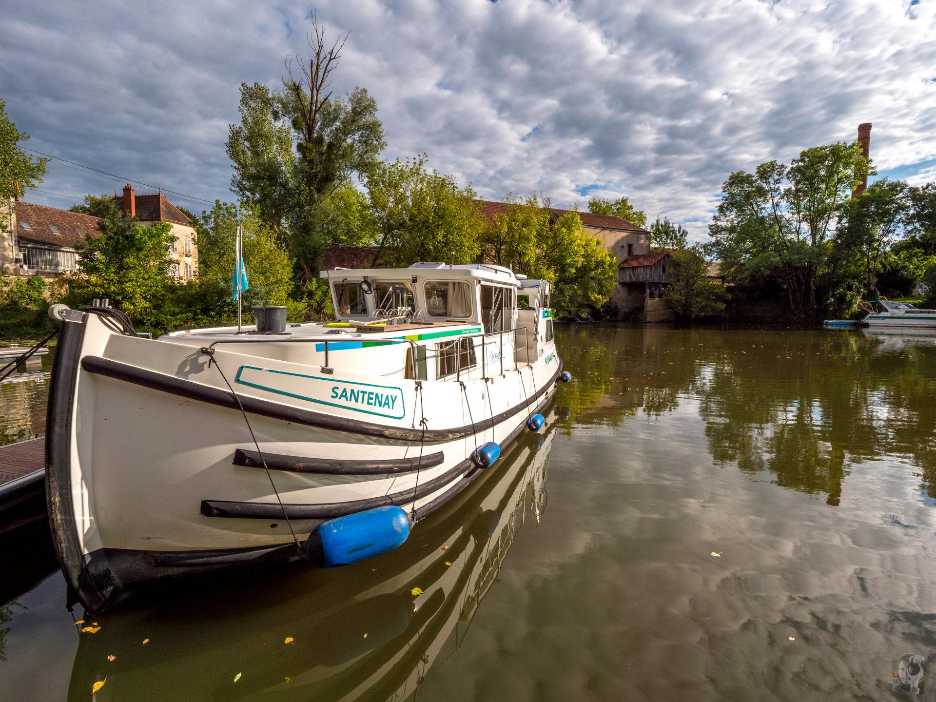 """Hausbootferien 2017, St-Léger-sur-Dheune - Louhans-Hafen in """"Branges"""""""