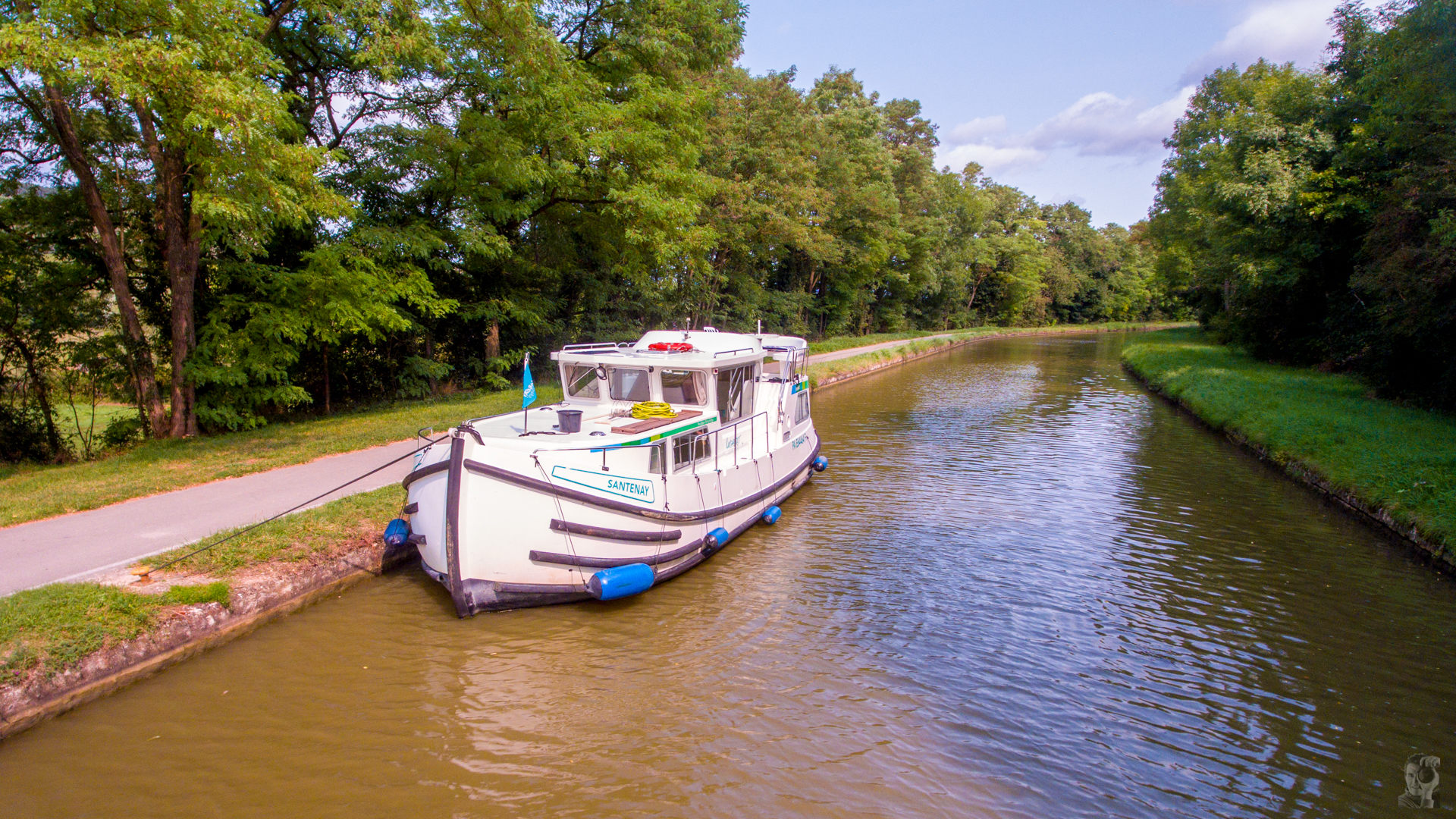 """Hausbootferien 2017, St-Léger-sur-Dheune - Louhans-Die """"Santenay"""" von Locaboat auf dem """"Canal du Centre"""" beim Ort """"Santenay"""""""